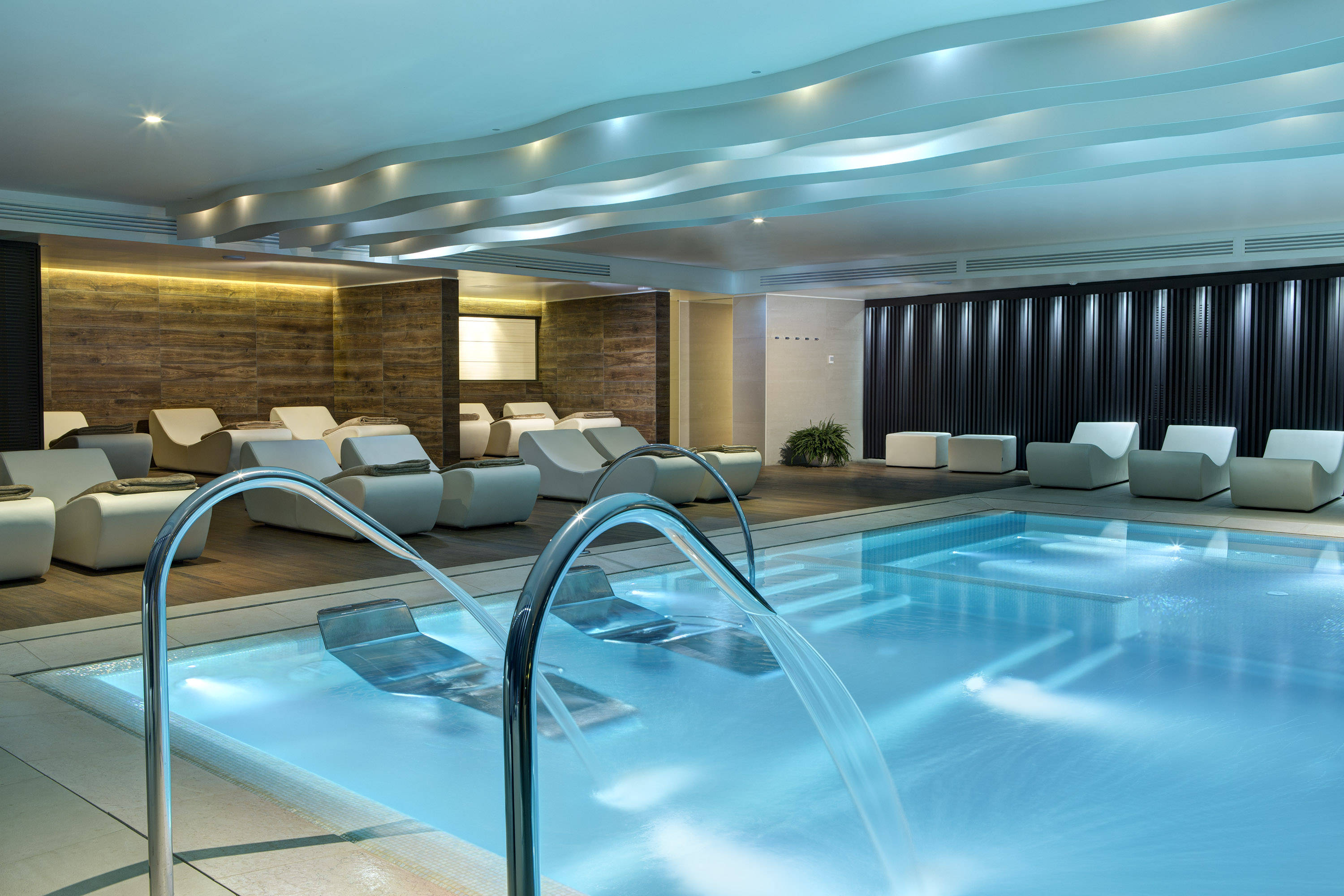 Almablu wellness spa hotel almar jesolo resort venice for Pool designs venice